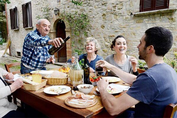 Продолжительность жизни в Италии