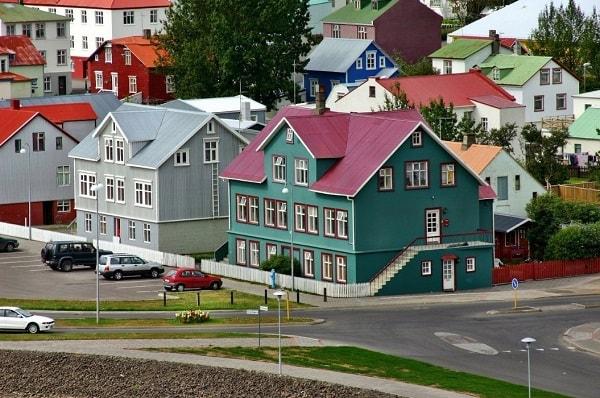 Как переехать в Исландию на ПМЖ в 2020 году